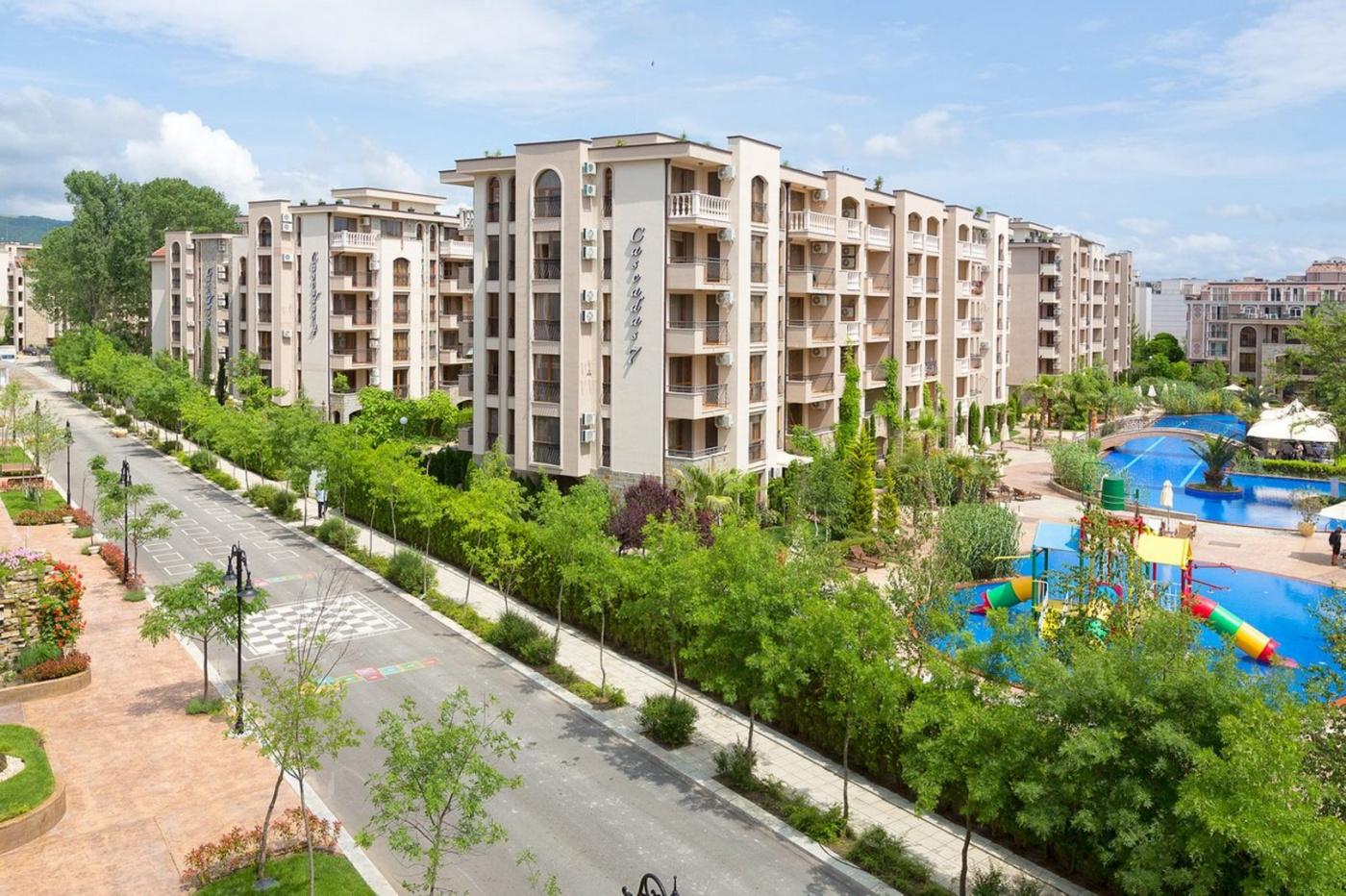 CASCADAS II Aparthotel